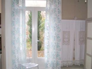 Chambre ouvrant sur la terrasse